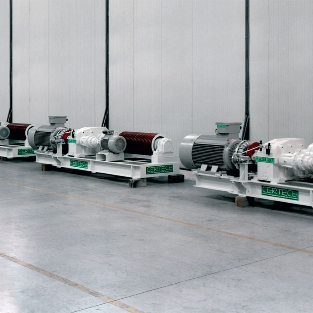 Set of 4 motorizations units for a 40,000 litres mills