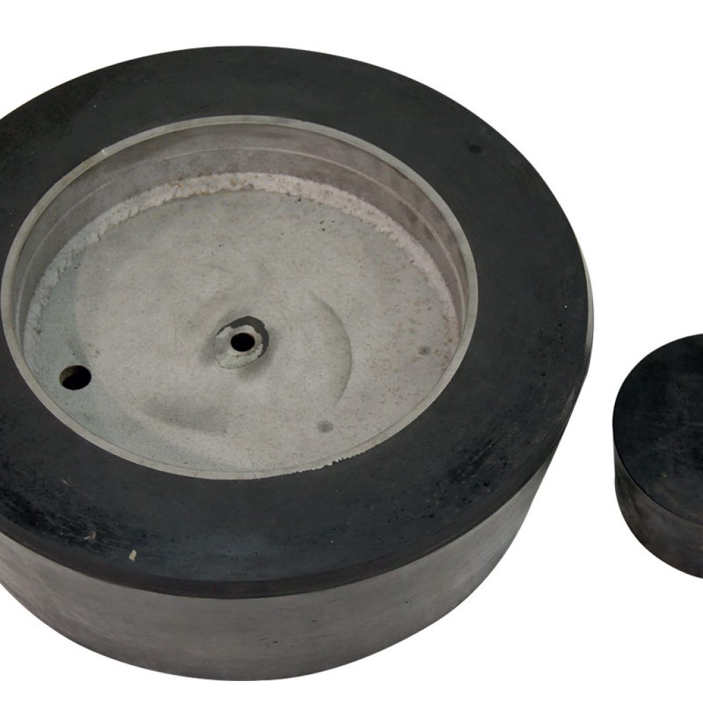 Rubber plugs for loading and unloading mouth for ICF milll, top view. Thickness of the rubber plug for loading mouth 180 mm. Thickness of the rubber plug for unloading mouth 90 mm