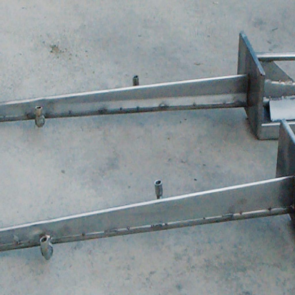 Esempio di lance a 3 ugelli con predisposizione di attacco acqua per il lavaggio