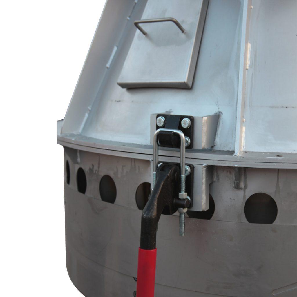 Dettaglio sistema di aggancio raffreddatore per polvere atomizzata apribile con pistone pneumatico